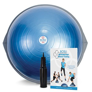 BOSU PRO Balance Trainer blue. BOSU je možné využiť ako trampolínu alebo balančnú plošinu. Fenomenálny nápad kondičného experta Davida Wecka umožňuje trénovať svalovú silu, rovnováhu, koordináciu, strečing a spaľovanie kalórií.